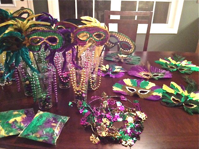 Mardi Gras Masquerade Decorations and Party Supplies Welcome guests to the French Quarter through a magnificent Mardi Gras rendezvous scene and greet them with the sounds of a Dixieland jazz band playing in the background.