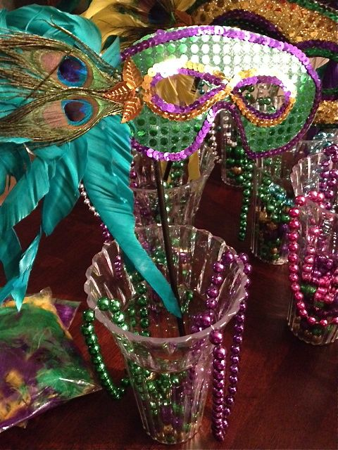 Diy mardi gras party decor under emily s enchantments