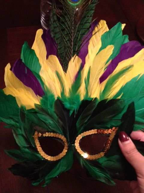 Diy mardi gras feather mask cheap and quick emily 39 s for Mardi gras masks crafts